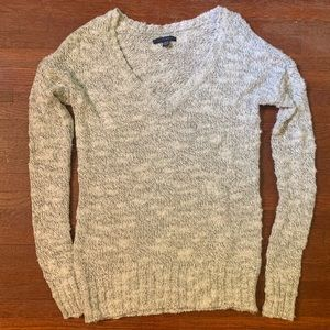 American Eagle White and Silver V-neck Sweater XS